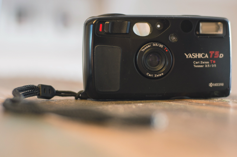 Kamera keren dan analog Kamera point and shoot