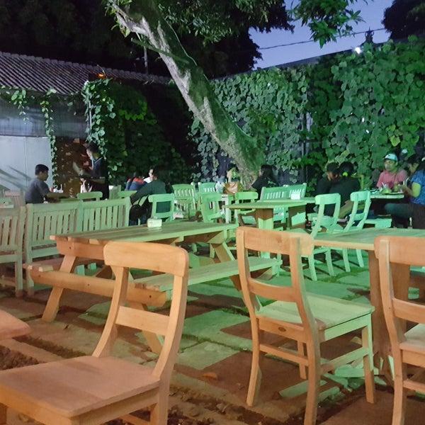 Suasana Mie Kober Bali