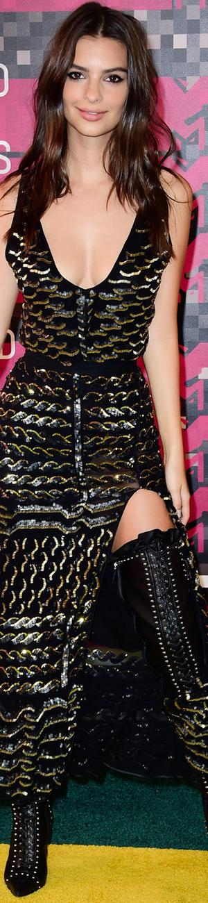 2015 MTV VMAs Emily Ratajkowski