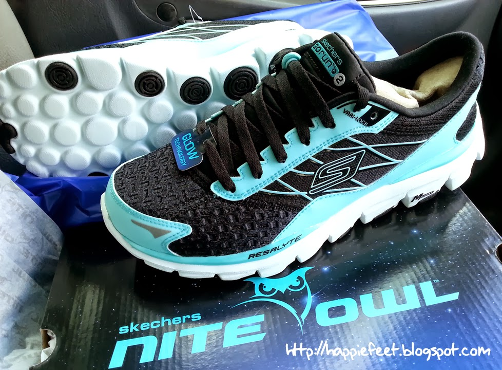 e499f9a18ce6 ... ideal for night running or low light conditions. Short exposure to most  light source will make the shoe glow in the dark albeit at different  intensities ...