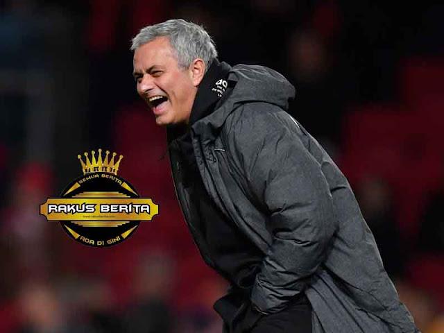 Mourinho Dituntut Musim Depan Menangkan Premier League