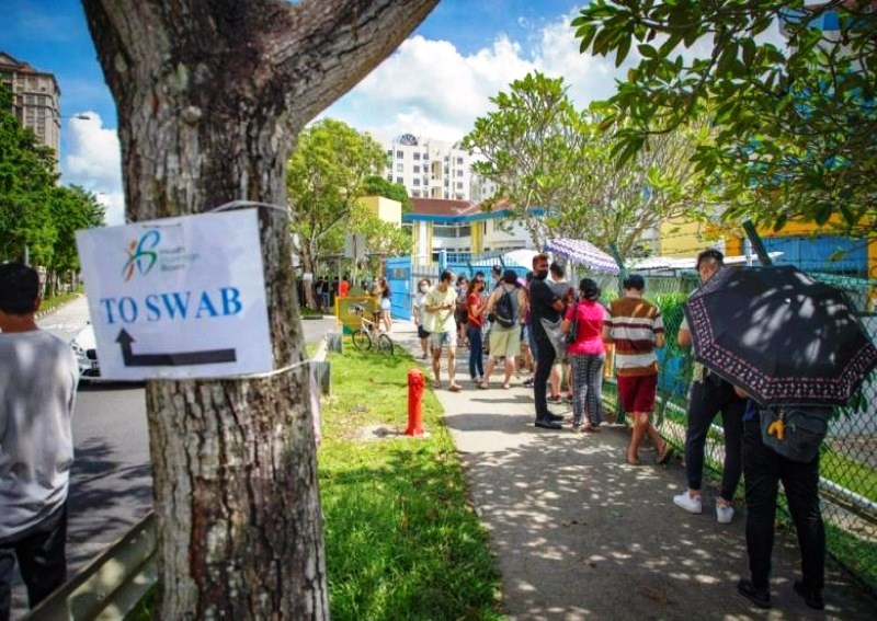 The queue at 11am yesterday (03 May 2021) at the former Bishan Park Secondary School in Sin Ming, which has been converted to a Covid-19 screening centre.