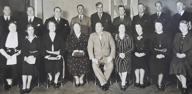 Sir Henry Wood with Vaughan Williams (top middle) and the sixteen singers who premiered the Serenade to Music in 1938
