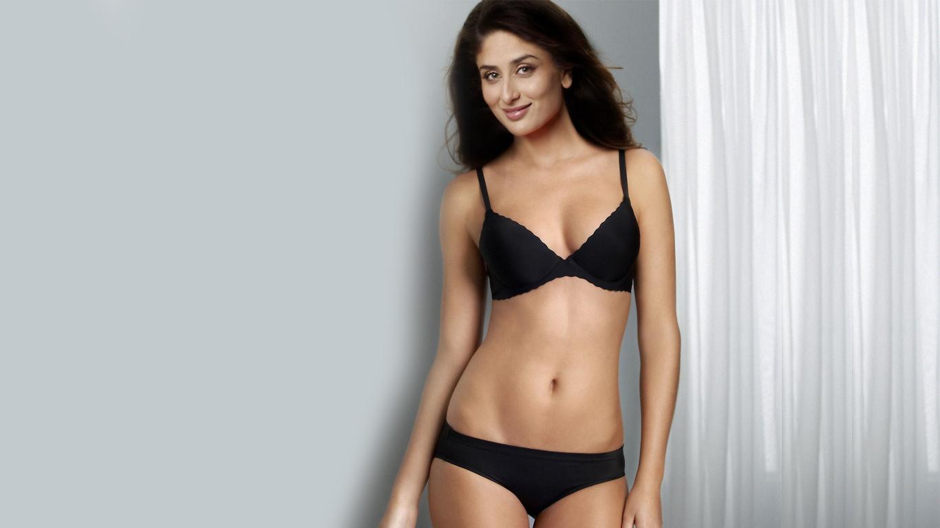 Hot kareena in bikini