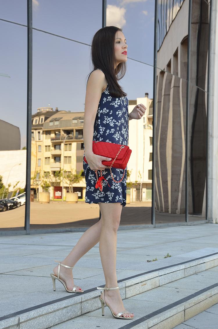 vestido_corto_estampado_look_verano_trends_gallery