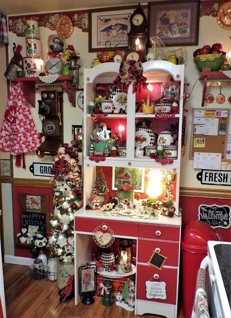 Winter/Valentine's Tree and Hutch in the Kitchen, 2020