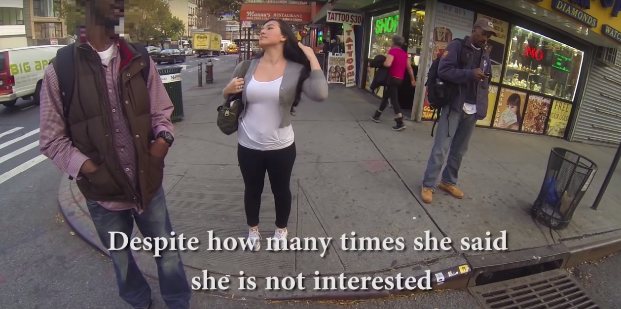 cewek seksi warga newyork jalan sendirian