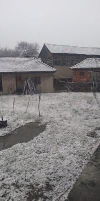 Коначно пада снег...