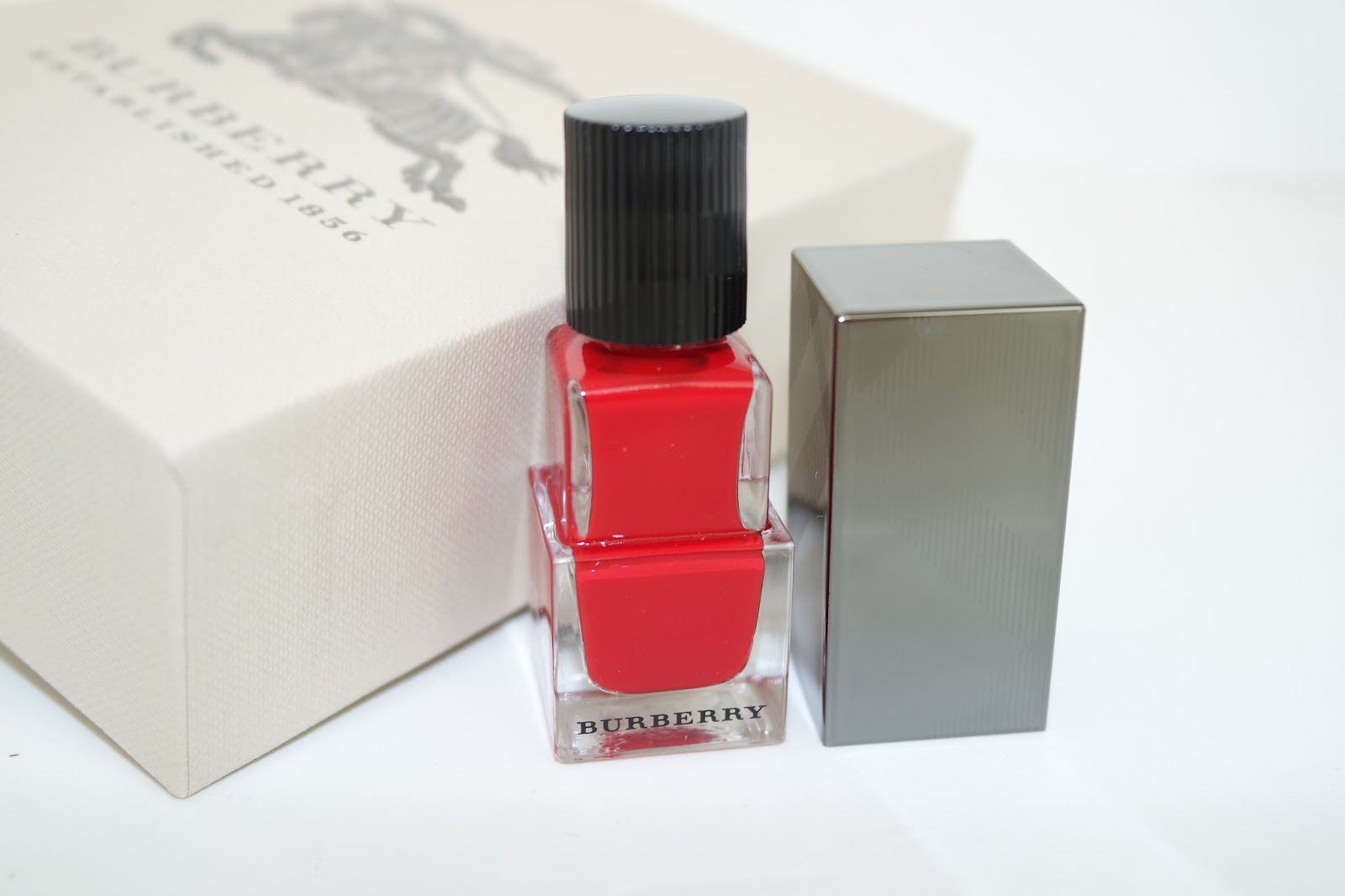 0b4513cc9854 Burberry Signature Look • Military Red