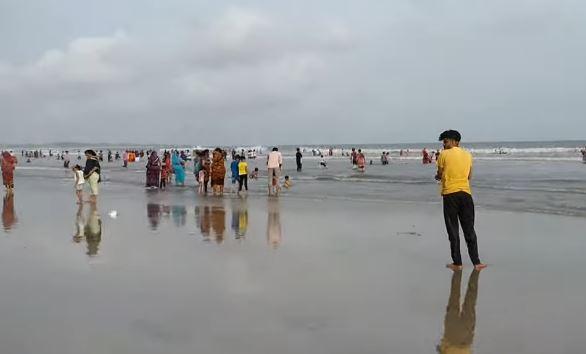 अहमदपुर मांडवी बीच, दीव, गुजरात - Ahmedpur Mandvi Beach in Hindi