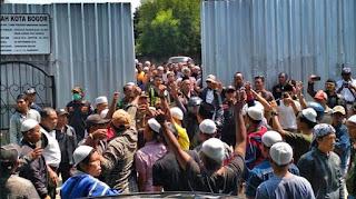 Demonstrasi Di Jalan-Jalan