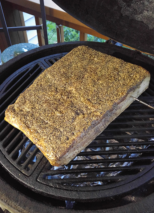 how to cure and smoke bacon at home, big green egg bacon, kamado bacon