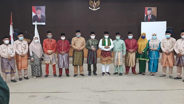 Bupati Pelalawan Serahkan SK PJ Kepala Desa kepada 6 Pejabat di Lingkungan Kecamatan Ukui