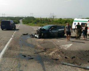 Смертельне зіткнення: в аварії постраждали 10 людей