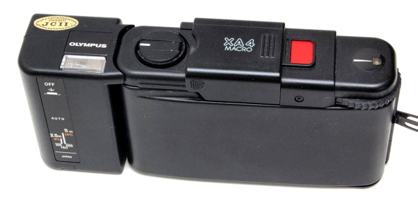 Olympus XA 4 Macro, Top Back