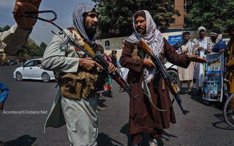 Talibanes persiguen cristianos en Afganistán