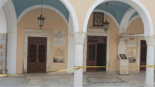 Έκλεψαν χρυσά και ασημένια τάματα από τον Καθεδρικό Ναό Κοιμήσεως της Θεοτόκου στην Ύδρα (βίντεο)