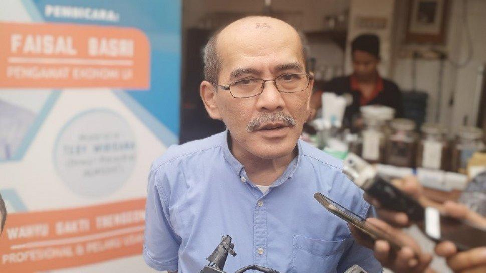 Kerap Bikin Gaduh, Faisal Basri Minta Jokowi Tendang Dua Orang Ini dari Istana