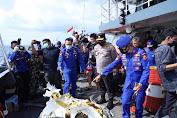 Kabaharkam Polri Cek Langsung Proses Pencarian Korban Pesawat Sriwijaya Air SJ 182