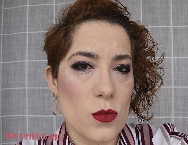 Maquillaje degradado en rosas y borgoña