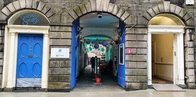 Laneway entrance between Condrah Gaelga - Aras na Gael and Galways Arts Centre, showing this years Santa visit opportunity in Galway city