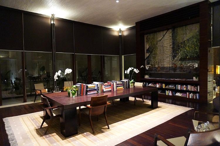 Euriental | fashion & luxury travel | Alila Villas Uluwatu, library area