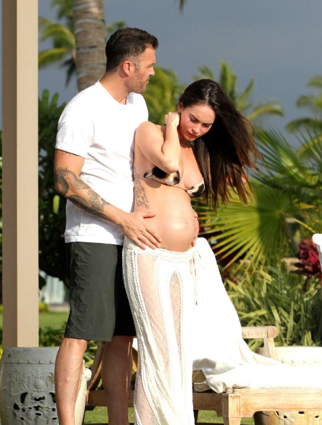 Megan Fox Pregnant Belly