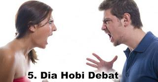 Dia Hobi Debat