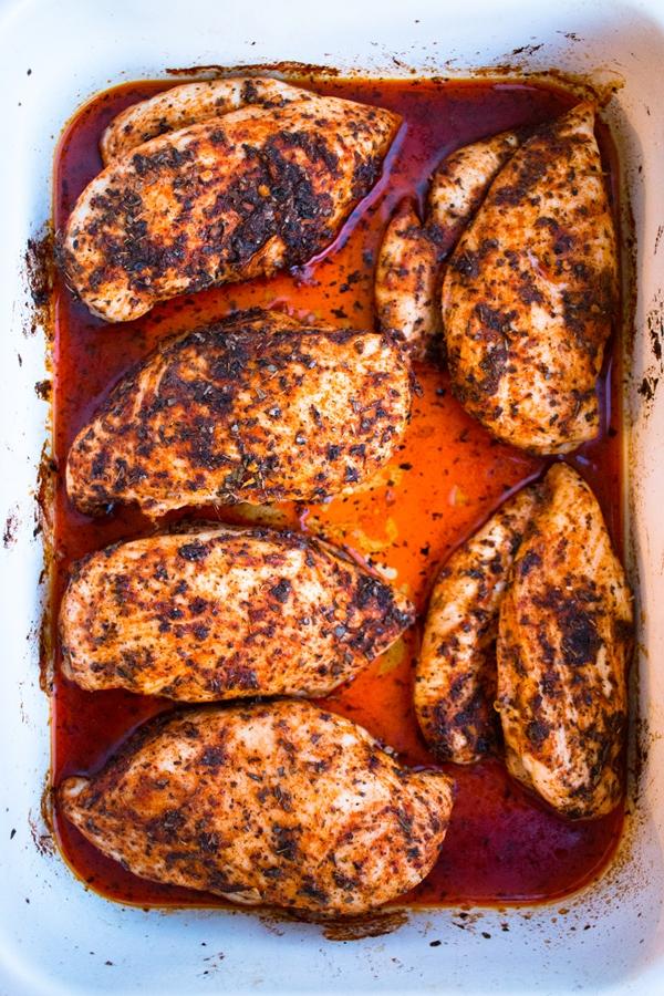 soczysta pierś kurczaka pieczona w ziołach