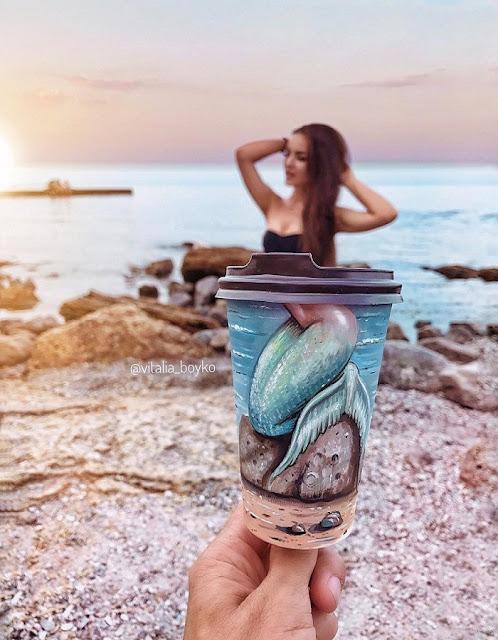 lukisan di cup kopi