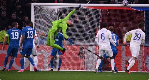 Lyon vs Juventus 1-0 Highlights Liga Champions