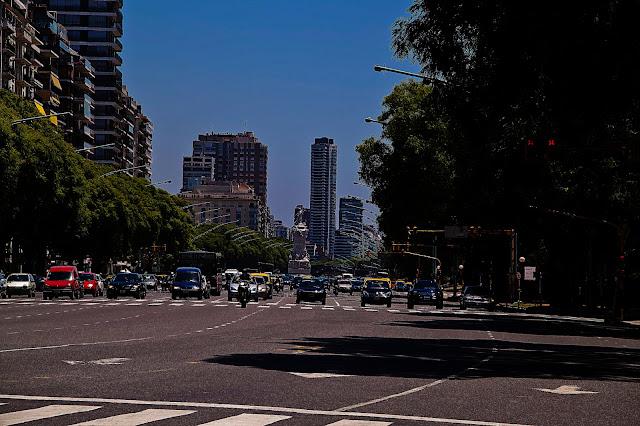Luz verde en semáforo en Avda. Del Libertador.