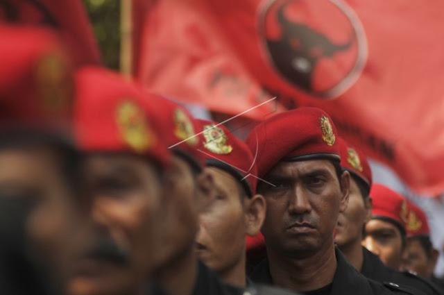 Cakra Buana PDIP Kecewa Jokowi, Bukan Perhatikan Rakyat Malah Bangun Dinasti Politik untuk Anak & Mantu