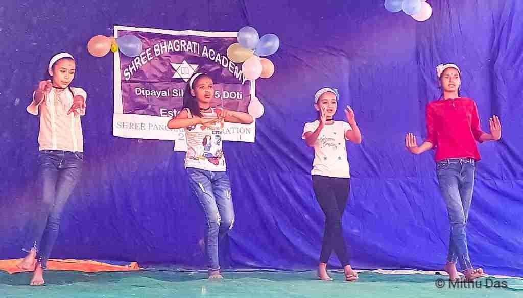 Silgadhi girls dancing