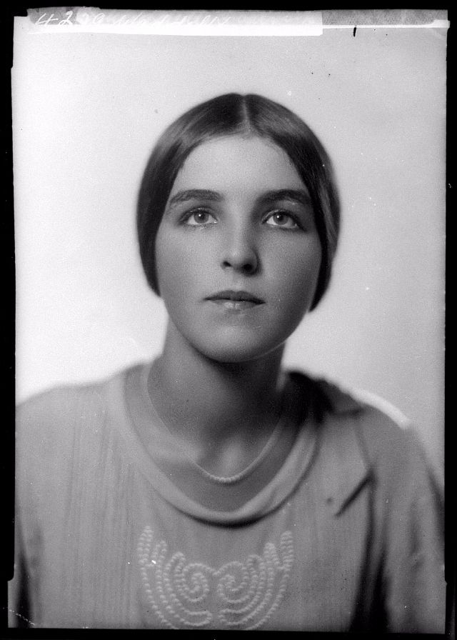 William hall portrait photography a look back the beauty of women in the 1920s vintage everyday