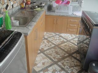 Kitchen Set Bawah Sudah Ada Cor/Beton Di Tempel HPL Dengan Top Table Granit