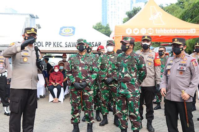 Kapolri dan Panglima TNI Apresiasi Gerai Vaksinasi Keliling Jakarta Pusat