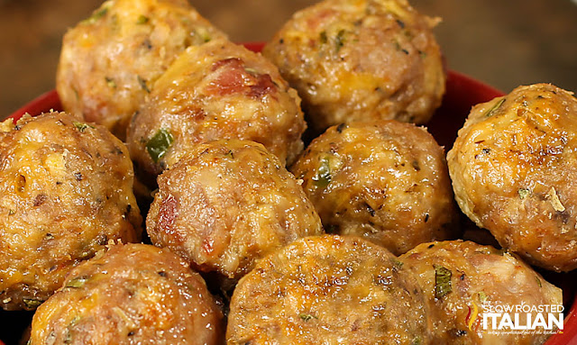 http://theslowroasteditalian-printablerecipe.blogspot.com/2013/01/skinny-jalapeno-turkey-popper-meatballs.html