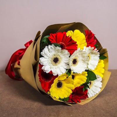Flower Chimp Tawar Khidmat Penghantaran Bunga Secara Dalam Talian