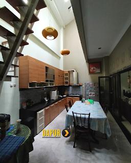 Dapur Rumah 2 Lantai Semi Furnished 3 Kamar Tidur di Komplek Bumi Asri Jalan Asrama Pondok Kelapa Helvetia Medan