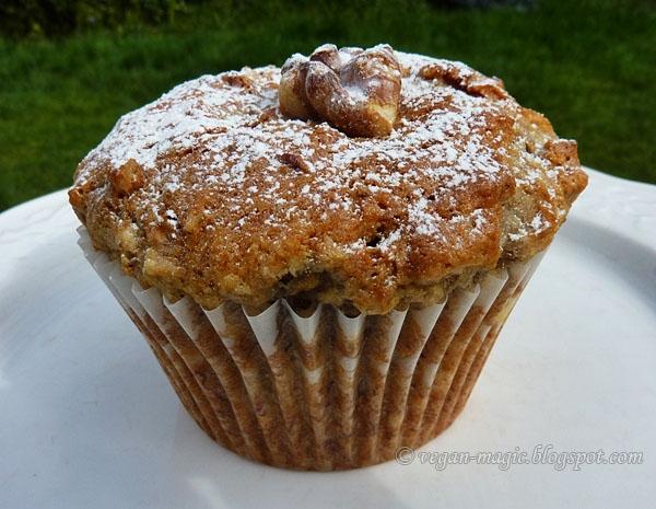 banana walnut muffins vegan recipes vegan magic. Black Bedroom Furniture Sets. Home Design Ideas