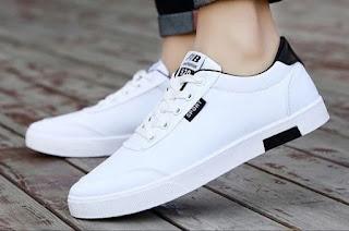 A white men's sneaker