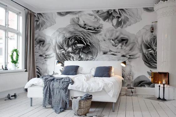 Piękna tapeta w kwiaty do sypialni
