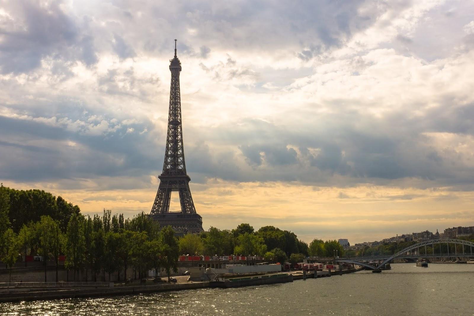 paryż noclegi