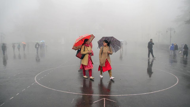 Adverse weather has put Rs 400 crore worth travel trade in Darjeeling Sikkim hills under crisis