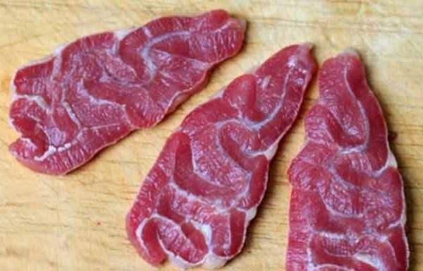 Bắp bò nấu cháo tổ yến đậu xanh