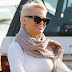 Pamela Anderson again became a blonde