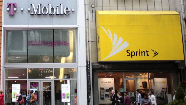 T-Mobile concordou no domingo em adquirir a Sprint, em um acordo de 26 bilhões de dólares que irá combinar a terceira e a quarta maior operadora de telefonia móvel dos Estados Unidos.