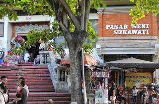 http://www.teluklove.com/2017/02/pesona-keindahan-wisata-pasar-seni.html