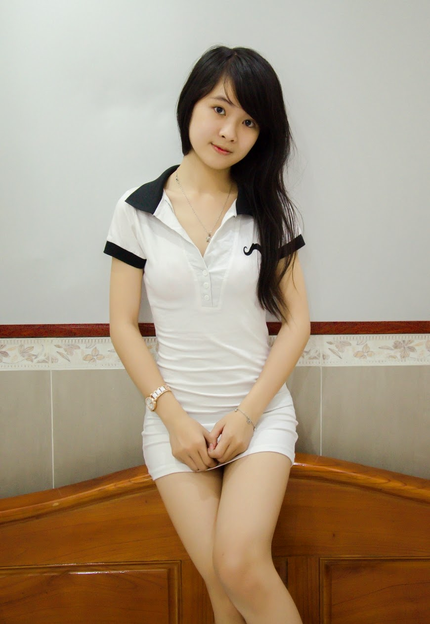 Teen girl anal toying-5116